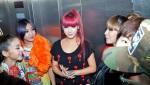 8_2NE1_Backstage_37_1